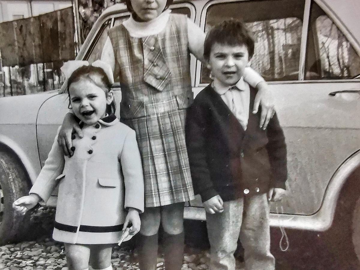 tre bambini, foto bianco e nero